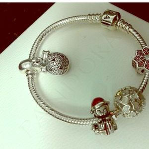 New pandora silver bracelet 6.2  Christmas charms