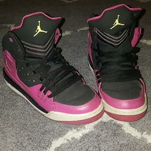 PINK JORDAN'S SZ 6Y OR WOMEN'S 7.5