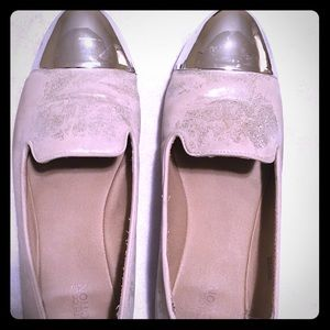 Metallic toe distressed flats