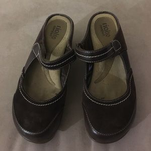 Rialto 9 brown leather open heel wedge Mary Janes