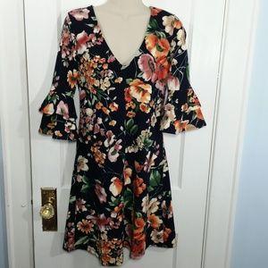 Vanity Room Floral Dress - M