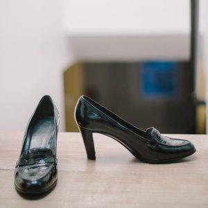 Stuart Weitzman Black Patent Heeled Loafer size10