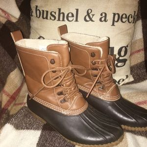 Duck Boots Size 10