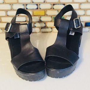 Vintage Black Platform Sandals 9 Steve Madden