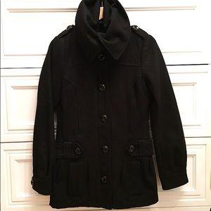 The perfect black wool coat 🖤