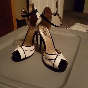 Cute heels size 6