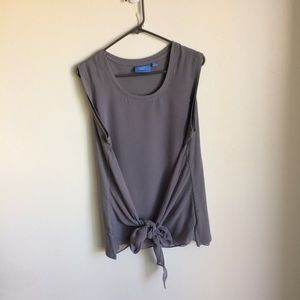Simply Vera by Vera Wang. Sleeve Grey Top Size XL