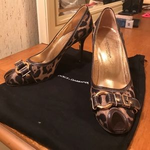 Authentic Dolce and Gabbana peep toe leopard pumps