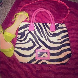 Zebra prInt and hot pink tote bag purse 🖤💕🛍