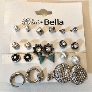 ✨NWT✨ Stud Silver Earrings Set