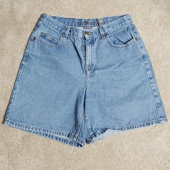 73d316b3cbe Liz Claiborne Pants - 🎯Liz Claiborne classic denim shorts