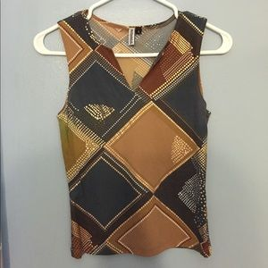 Skirt and sleeveless top come together, size L