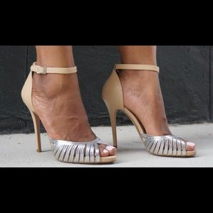 Brand new in box!! BCBG Paris Aida metallic heel