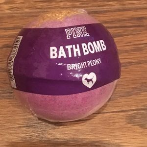 Nwt VS PINK Bath bomb