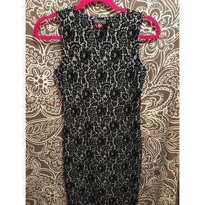 ❤️VINCE CAMUTO PRINTED DRESS 👗