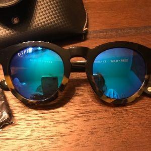 Diff eyewear DIME II worn once! Like new!