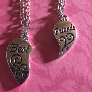 """Jewelry - New """"Best Friends"""" Necklace 🌻 2 pc to share 💕"""