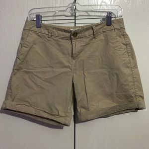 Old Navy Short ( tan)