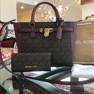 Authentic Michael kors handbag & wallet set