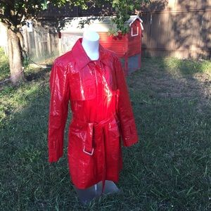 Dana Buchman raincoat Sz 12 cherry red trench