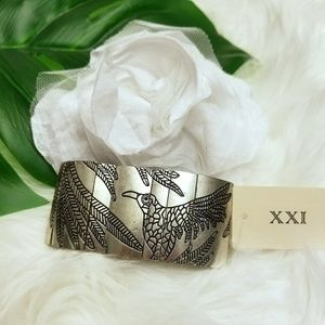 XXI Foldable Stretchy Stunning Silver Bangle Brace