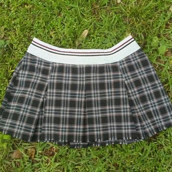 da1f57f7b7 Candie's Dresses & Skirts - Vintage 90s CANDIE'S Schoolgirl Plaid Skirt  Sporty