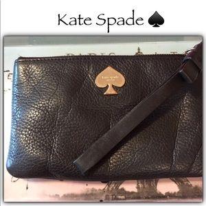 ♠️Black Kate Spade Wristlet ♠️