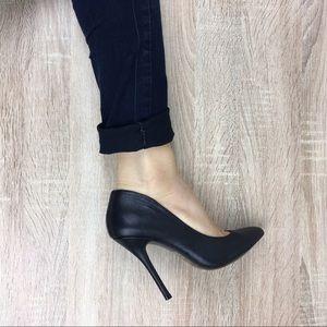 Classic Steve Madden Pointed Toe Stilettos Heels