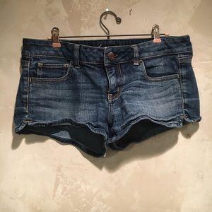 Size 8 American eagle shorts