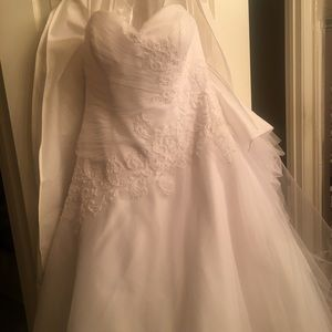 Wedding Dress never used