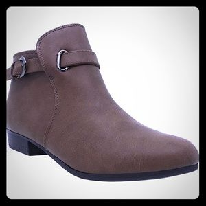 Brown Chelsea Strap Side Boots