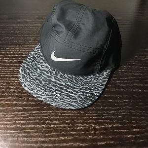 Nike Seasonal AW84 Adj Cap 688722-010