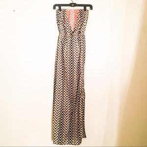 Black/white/coral chevron maxi dress sz XS
