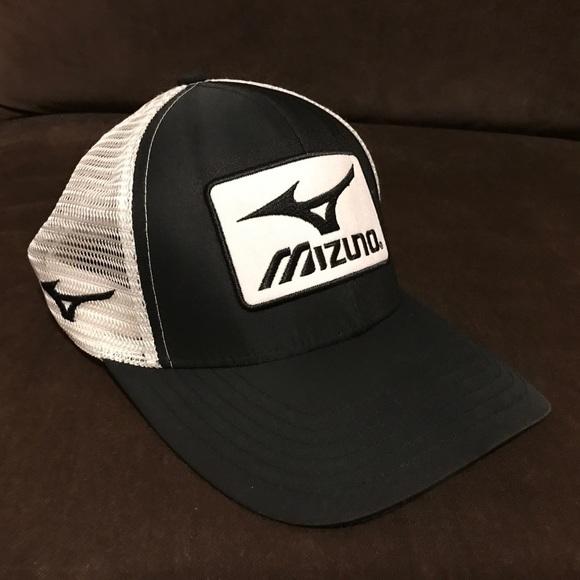2565528d V nice Mizuno snap back baseball hat black white. M_59eeedc1522b45db49016e56