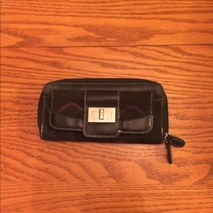 Women's wallet or clutch