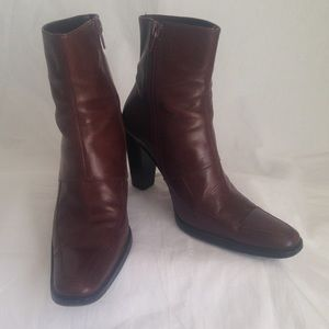 Kenneth Cole dark brown leather boots