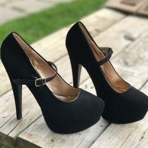 Charolete Russe black heels