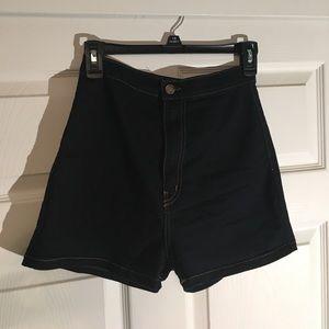 Fashion Nova highwaist shorts