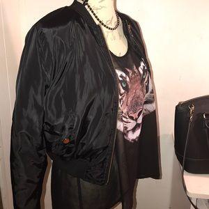 Black Fashion Nova bomber jacket 🌹