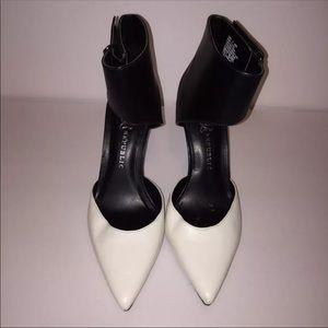Rock & Republic White & Black Heels