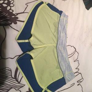Lululemon 2-way stretch panel speed shorts