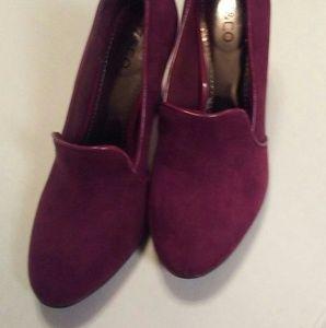raspberry Liz & Co suede shoes.