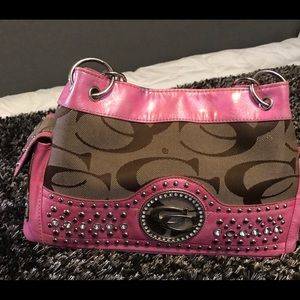 🎁Beautiful Pink G Series Shoulder Purse!