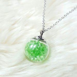 Wishing Glass Necklace w. Swarovski Green Elements