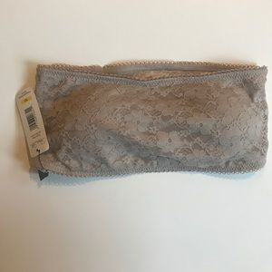 Other - NWT nude lace bandeau