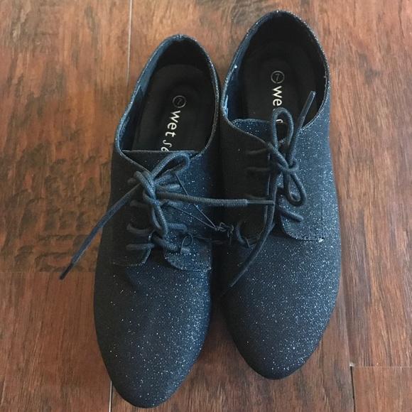25c05ddf5e Wet seal Sparkle Shoes. M 59ef4d37d14d7b28c0001551