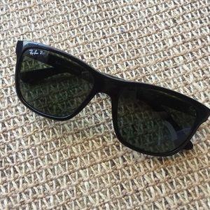 Ray-Ban 4181 Polarized Black Sunglasses