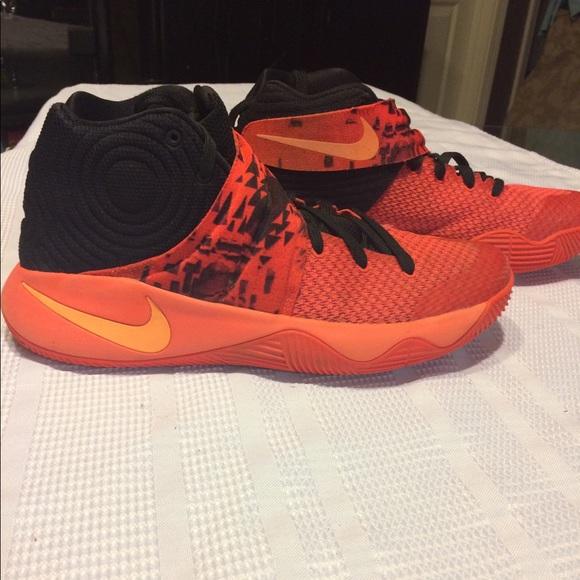 578895718b78 Nike Kyrie 2 bright Crimson Atomic Orange   Black.  M 59ef57fb2599fe3ce5003b34