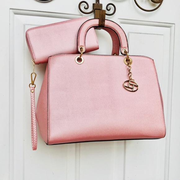 La Terre Fashion Bags   La Terre Mauve Pink Handbag Nwt   Poshmark 67ab5c47d4
