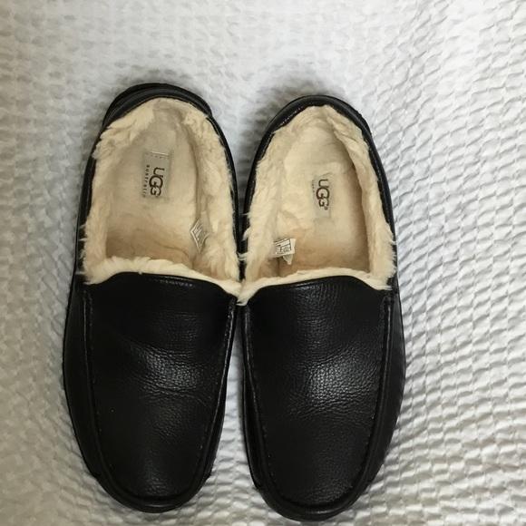 78be17ec1a8 Men s black leather UGG ascot slipper 11. M 59ef70504127d0ae740098ff